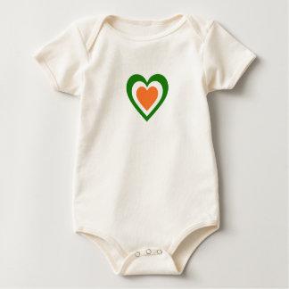 Irland/irische Flagge-Inspirierte Herzen Baby Strampler