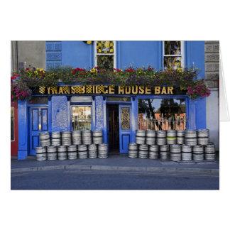 Irland, Kilkenny. Äußeres der Kneipe mit Bier Grußkarte