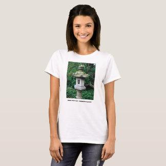 Japanische Steinlaterne T-Shirt