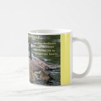 Kaffee-Tasse mit Familie der Gänse - Gehorsam Tasse