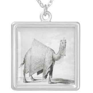 Kamel Halskette Mit Quadratischem Anhänger