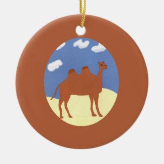 Kamel wunderlich auf Wüsten-Dünen Rundes Keramik Ornament