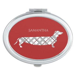 Karierte Dackel auf Rot Taschenspiegel