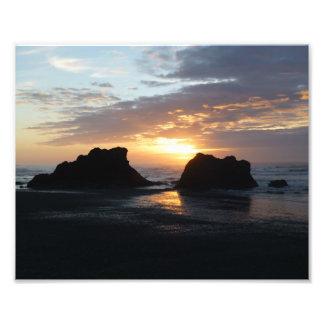 Karminroter Strand-Sonnenuntergang Fotodruck