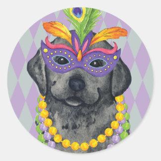 Karneval-schwarzer Labrador Runder Aufkleber