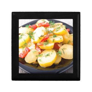 Kartoffeln mit Zwiebel, grünem Pfeffer und Fenchel Geschenkbox