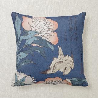 Katsushika Hokusai Pfingstrosen und Kanarienvogel Kissen