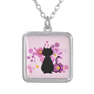 Katze in der rosa Blumen-Halskette (Quadrat) Versilberte Kette