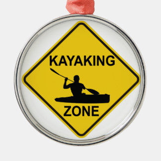 Kayaking Zone Rundes Silberfarbenes Ornament