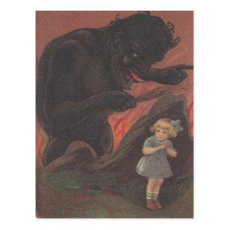 Kind, das von Krampus sich versteckt Postkarte