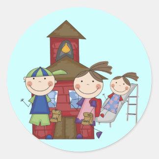 Kinder und Schoolhouse-T - Shirts und Geschenke Runder Aufkleber
