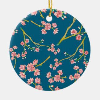 Kirschblüte-Kirschblüten-Druck auf Blau Rundes Keramik Ornament