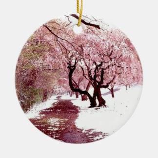 Kirschblüten in der Schnee-Verzierung Keramik Ornament