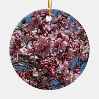Kirschblüten und blauer Himmel-Frühling mit Blumen Rundes Keramik Ornament