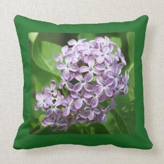 Kissen mit Foto der schönen lila Fliedern