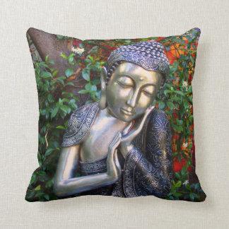 Kissen | silberner Buddha