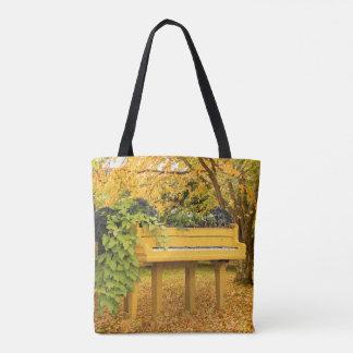 Klavier im Herbstholz