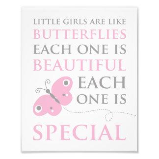 Kleine Mädchen sind wie Schmetterlings-rosa Fotodruck