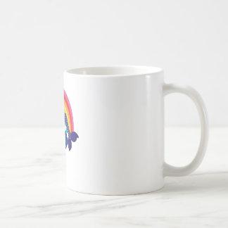 Kleine Meerjungfrau, die in einer Blume stillsteht Tasse