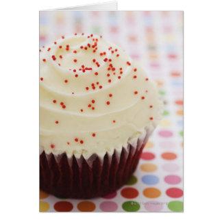 Kleiner Kuchen mit besprüht Grußkarten