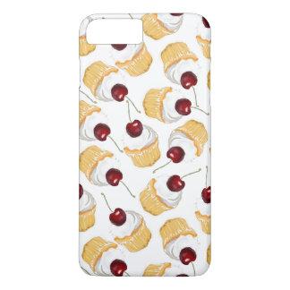 Kleiner Kuchen mit einer Kirsche iPhone 8 Plus/7 Plus Hülle