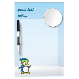 Kleiner Pinguin, der auf Schnee geht Whiteboard