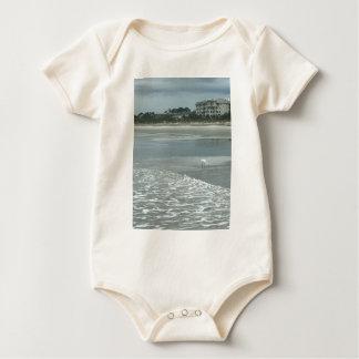 Kleiner Reiher auf dem Strand Baby Strampler