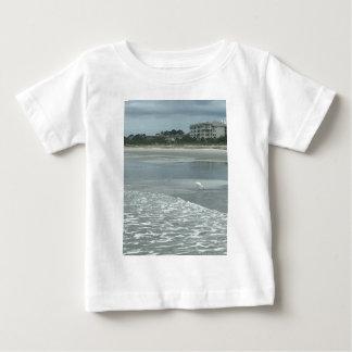 Kleiner Reiher auf dem Strand Baby T-shirt