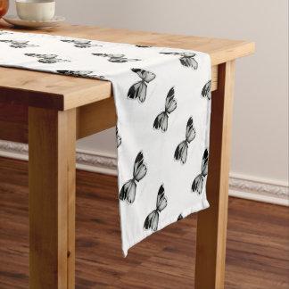Kleiner Richmond-Salbei-Schmetterling Kurzer Tischläufer