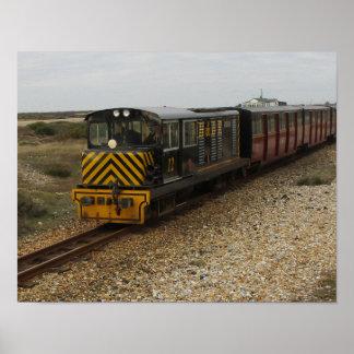 Kleines Plakat mit Dieselzug bei Dungenes