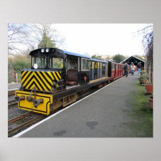 Kleines Plakat mit Dieselzug bei Hythe