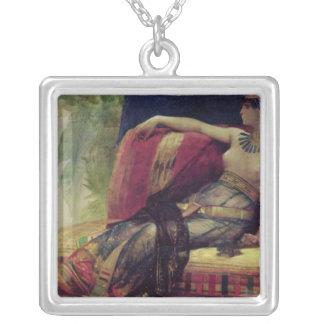 Kleopatra Halskette Mit Quadratischem Anhänger