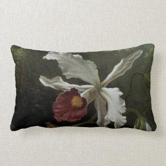 Kolibris und weiße Orchidee durch Martin J. Heade Lendenkissen