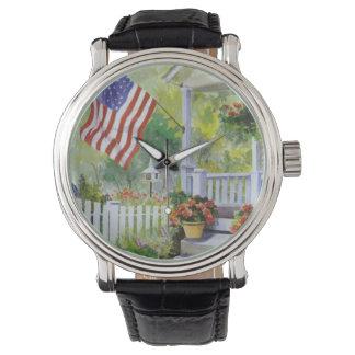 Kolonialland-Zuhause-amerikanische Uhr