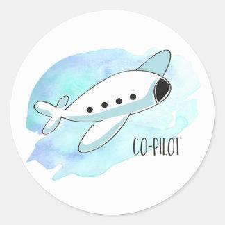 Kopilot mit Flugzeug Runder Aufkleber