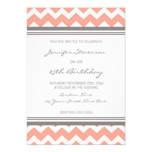 Korallenrote Zickzack 25. Geburtstags-Party Individuelle Einladung