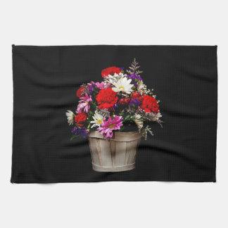 Korb der Blumen Küchentuch