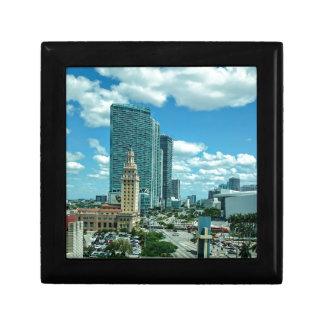 Kubanischer Freiheits-Turm in Miami 5 Erinnerungskiste
