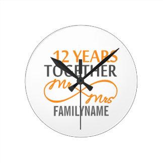 Kundenspezifischer Herr und Frau 12. Jahrestag Wanduhren
