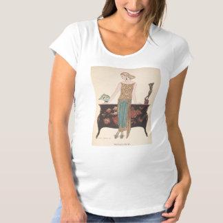 Kunst-Deko-Dame - stehend neben der Tabelle Umstands-T-Shirt
