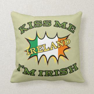 Küssen Sie mich, den ich irische Zierkissen