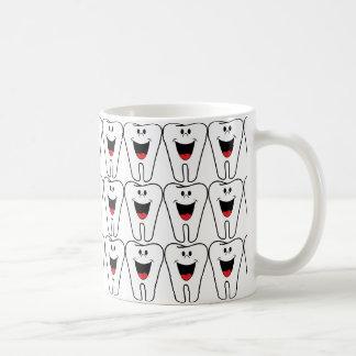 lächelnder Zahn für Zahnarzt Kaffeetasse