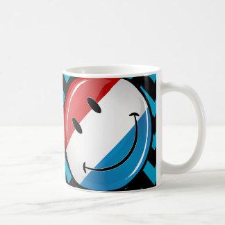 Lächelndes Luxemburg kennzeichnen Kaffeetasse