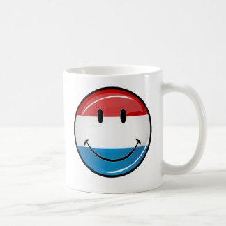 Lächelndes Luxemburg kennzeichnen Tasse