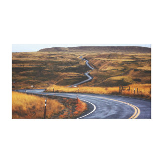 Land-Straße nahe Ebene der Berg| Landstraßen-| Leinwanddruck