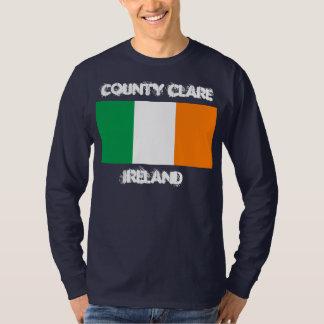 Landkreis Clare, Irland mit irischer Flagge T-Shirt