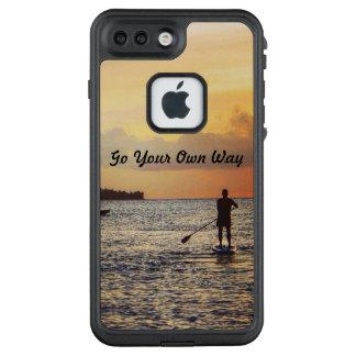 """Landschaftlicher """"gehen Ihre eigene Weise"""" iPhone LifeProof FRÄ' iPhone 7 Plus Hülle"""