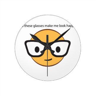 Lassen diese Gläser mich glücklich schauen? (ja!) Runde Wanduhr