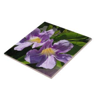 Lavendel-Trompeten Große Quadratische Fliese