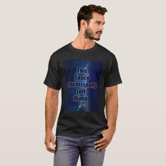 Leeres Raum-Wortspiel-Shirt T-Shirt